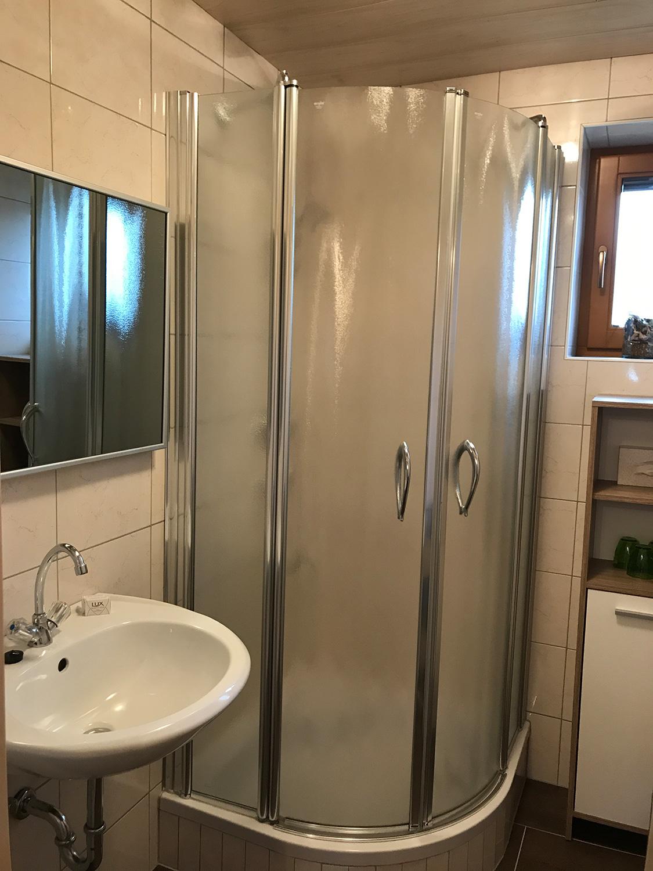 Badezimmer Apartment Bachegg
